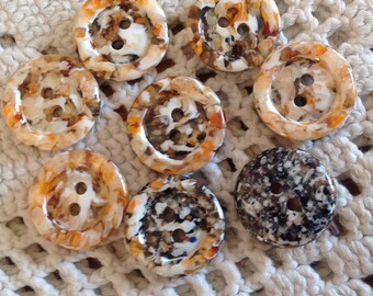 Set of eight vintage buttons, 18mm diameter, imitation stone