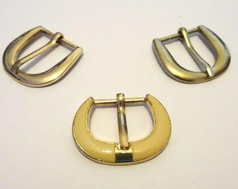 Set of 3 metal T6 earrings