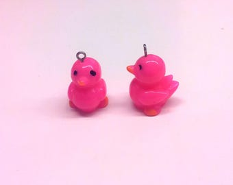 Set of 2 charms small ducklings fuchsias T23