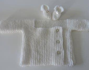Hand knitted wool newborn (BRA & booties) birthstone set