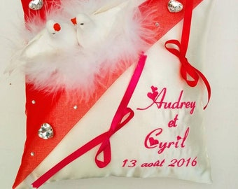 Pillow / red pillow - Wedding Doves themes
