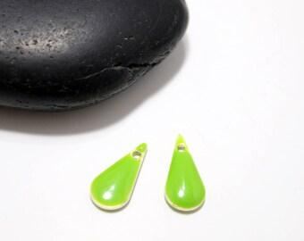15mm - 4 enamelled green anise drop pendants