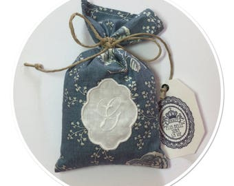 """BAG OF LAVENDER WITH MEDALLION AND MONOGRAM LETTER """"G"""" EMBROIDERED"""
