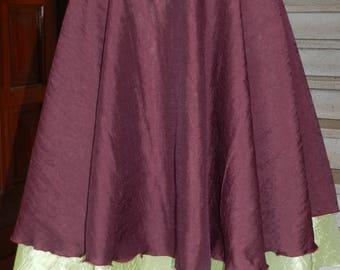 Skirt color pistachio color bordeaux