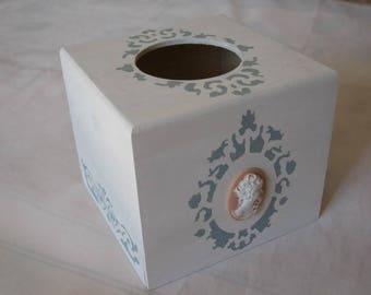 Free shipping! Vintage tissue box