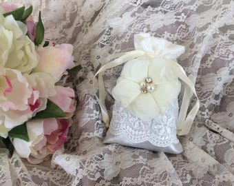 Free shipping! Lavender shabby flower ivory satin pouch
