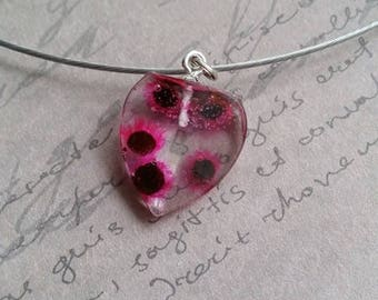 Choker + Heart pendant 2cm inclusion of dried Stillingia rose flowers and resin