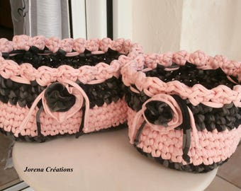 Duet of shabby chic baskets crocheted from trapillo
