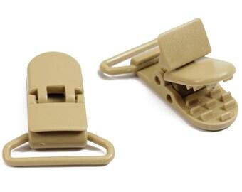 Mole CLIP / plastic pacifier clip