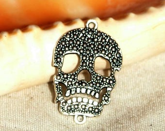 X 1 metal skull connector silver 22 x 34 mm