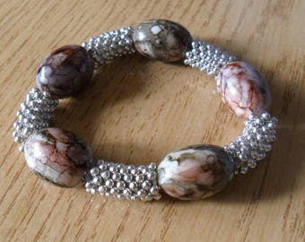 Stretch Bracelet with pearls and washers