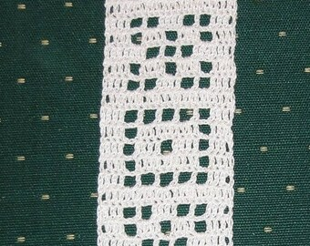 WHITE CROCHETED BOOKMARK - HANDMADE - NEW