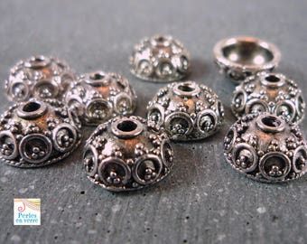 12 round caps in antique silver, 5x10mm (AP96)