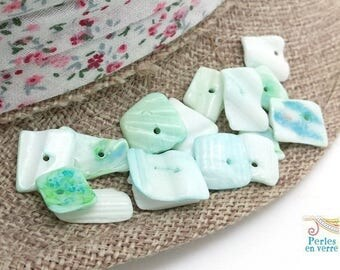 50 chips 8 a15mm (pn67) white blue green shell beads