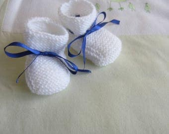 Baby booties white and Blue Ribbon