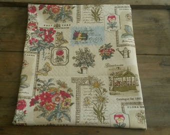 Floral fabric coupon 50 X 50 cm / vintage fabric and retro