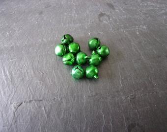 Lot 10 bells medium brilliant green 11, 5 X 9, 5mm