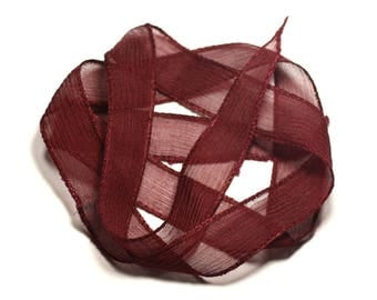 Hand dyed silk ribbon necklace 85 x 2.5 cm red Bordeaux SOIE192 - 8741140017009
