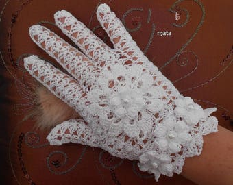 white cotton fingerless