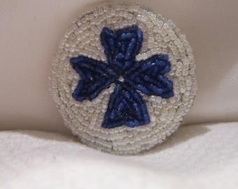 brooch embroidered ronde(croix de malte)
