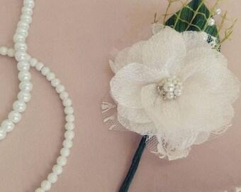 Wedding Boutonniere, Baby's Breath Boutonniere, Silk Boutonniere, Woodland Boutonniere, Buttonhole Flower,  Flower, Groom Boutonniere