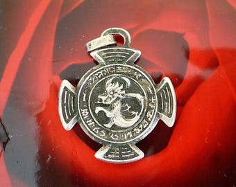 Cross of Malta magnetic silver for pendant Chinese dragon motif