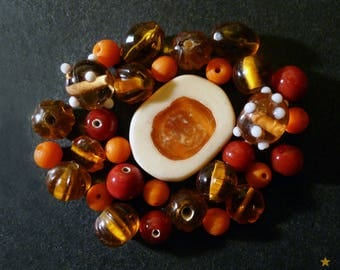 31 glass beads Indian amber, orange, Red