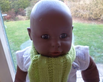 baby scarf knitted with sides