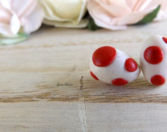 Stud earrings Yoshi's eggs, color red