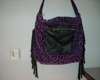 shoulder bag has fringe customized, lined zipped