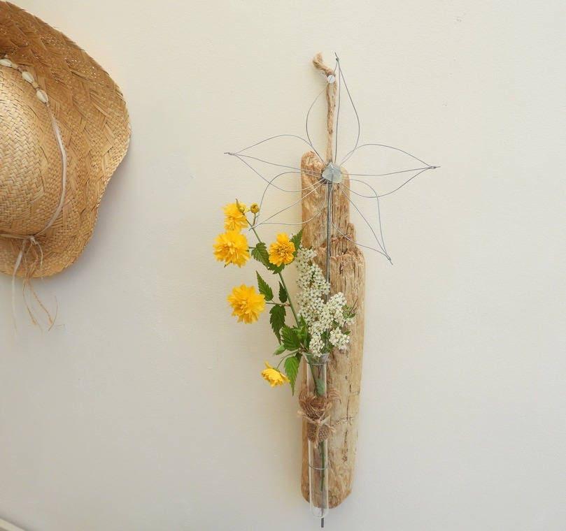 vase soliflore mural en bois flott ambiance nature vase. Black Bedroom Furniture Sets. Home Design Ideas