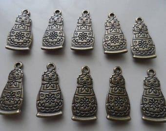 set of 10 nesting doll matryoshka charms bronze 27 x 13 mm