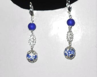 Porcelain and filigree Pearl Earrings Royal Blue