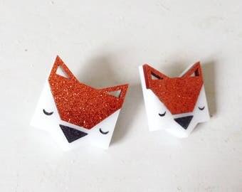 Brooch - Fox - model: red glitter / plexiglass
