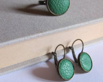 Set earrings sleeper, grass green leather ring