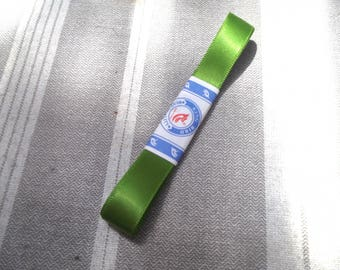 70 cm 1.4 cm wide green satin ribbon