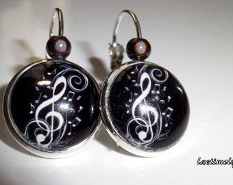 "Earrings cabochon ""while music"""