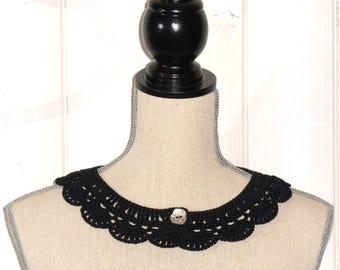 Peter Pan collar black crochet