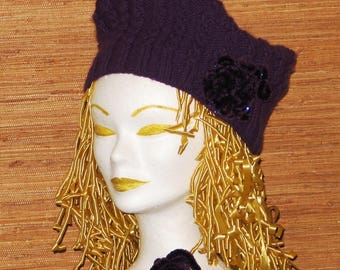 All woman and girl, hat and mittens to open thumb, violet purple, knitted hand twisted.