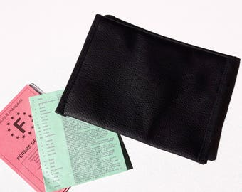 Clutch in black leatherette personalized with badge choice