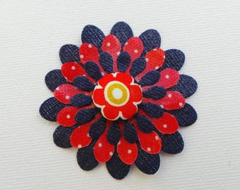 Chamomile flower embellishment Navy and Red