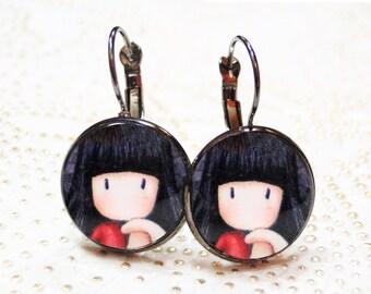 Round earrings black metal girl