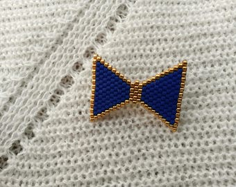 Blue beads woven bow brooch