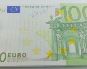 2 euros 100 and 200 euros banknote memo notes