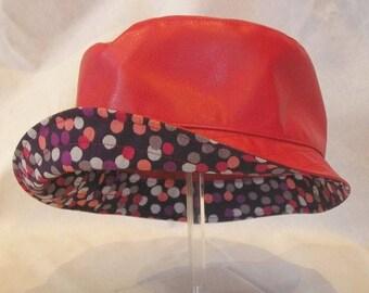 rain hat curve red dots