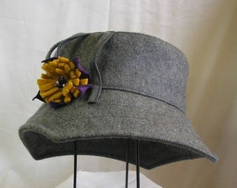 "Winter hat ""carressimo Dandelion"" in light gray peacoat"