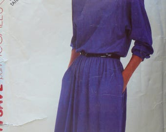 Women's Pullover Dress Pattern, Vintage Stitch & Sew 2234, Size 16 - 1980s