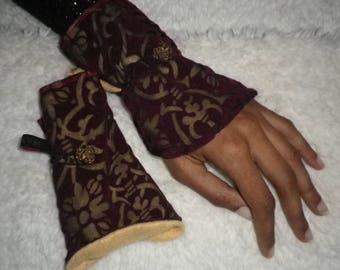 cuff lining purple lace wrist warmers fleece vintage button