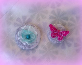 MINI price = set of two lovely brooches/badges