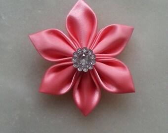 5 cm fleur de satin rose  saumoné   petales pointus